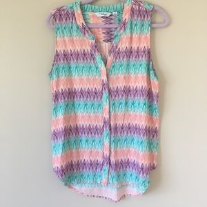Zigzag print button up tank blouse